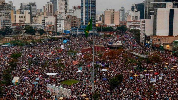 Foto de ato de mulheres contra Bolsonaro é verdadeira