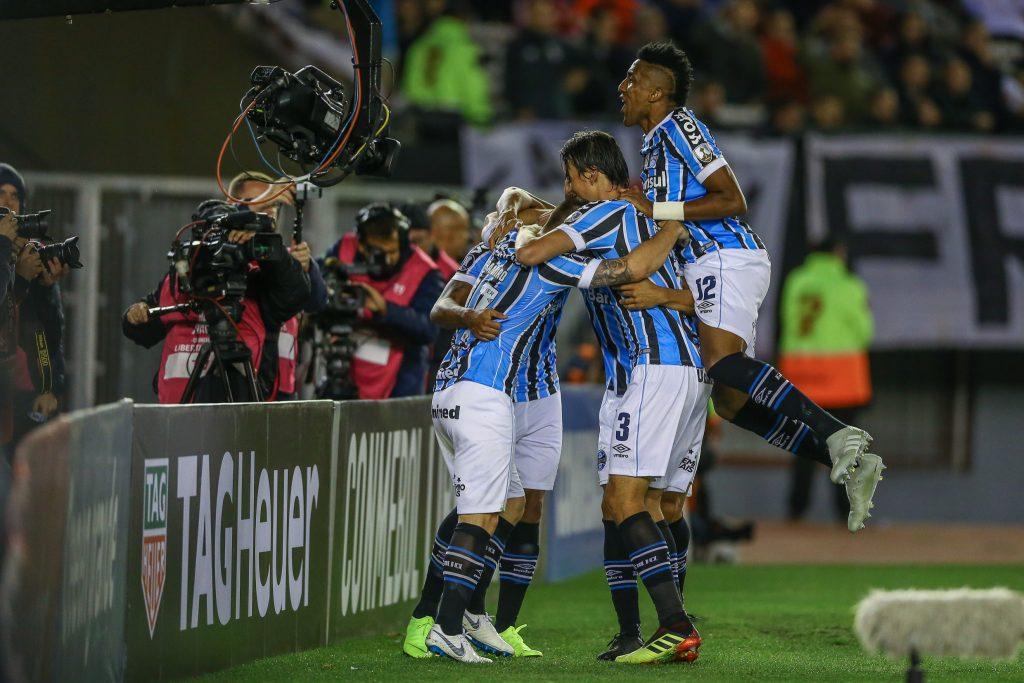 Sem Luan, Grêmio vence na Argentina e abre vantagem sobre o River na Libertadores
