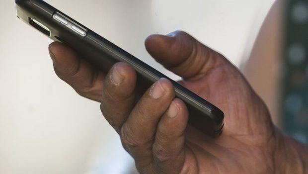 Senado decide que consumidor tem direito a celular reserva