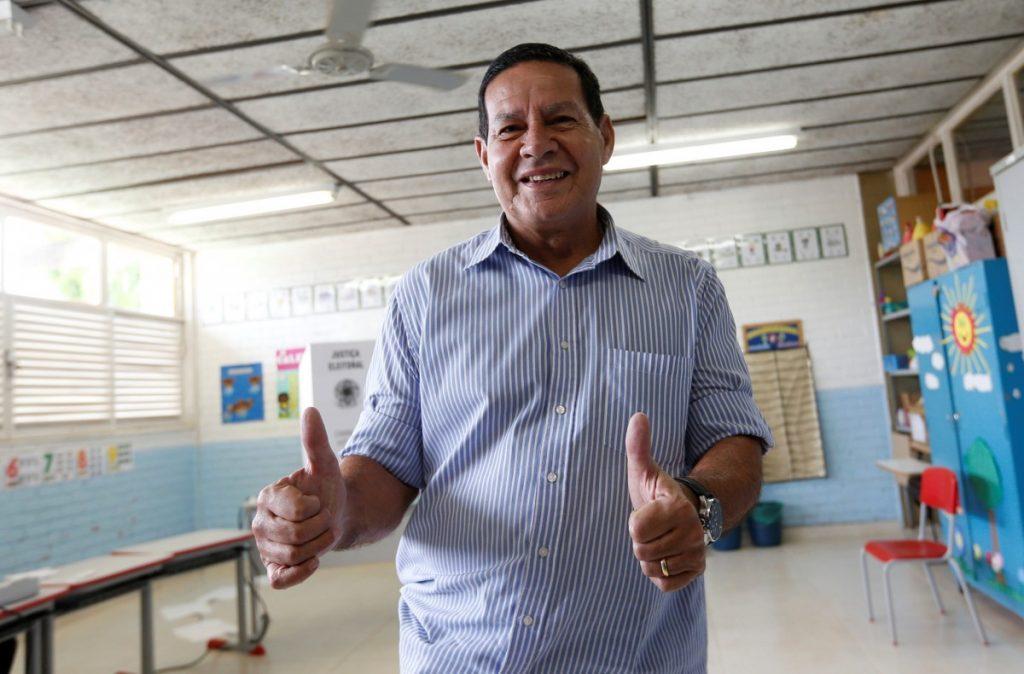 Vice de Bolsonaro diz que reforma da Previdência, que inclui militares, será prioridade