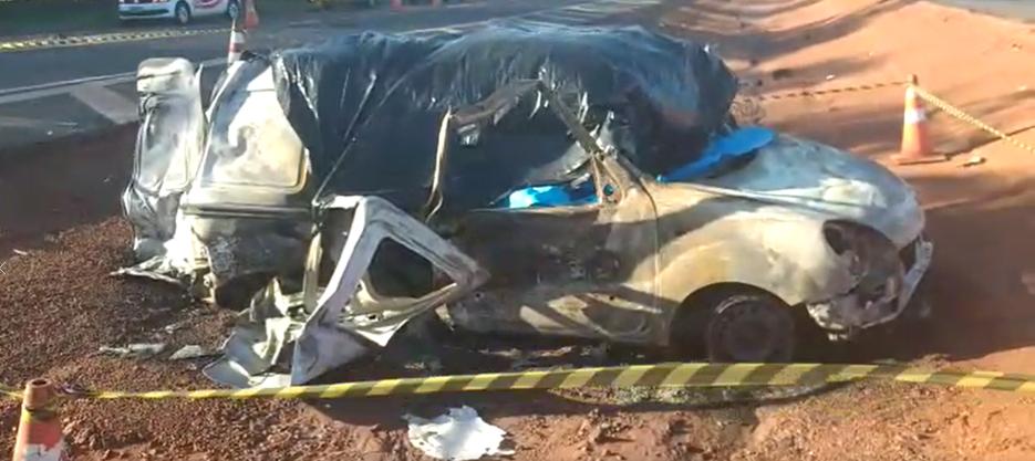 Três pessoas morrem em acidente entre ambulância e caminhão na BR-050, em Campo Alegre