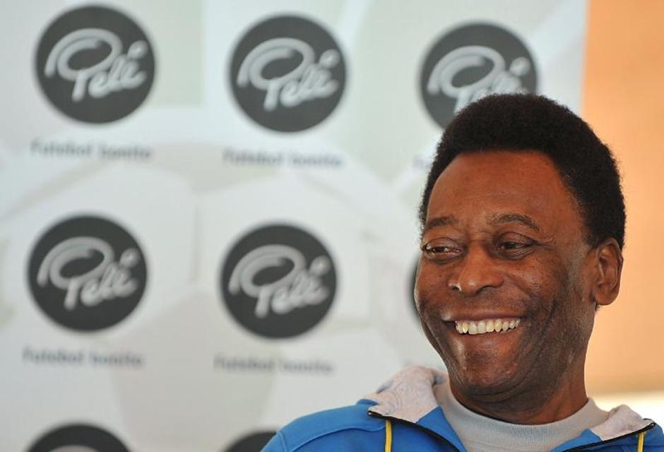 Aos 78 anos, Pelé recebe homenagem do Santos nesta terça-feira