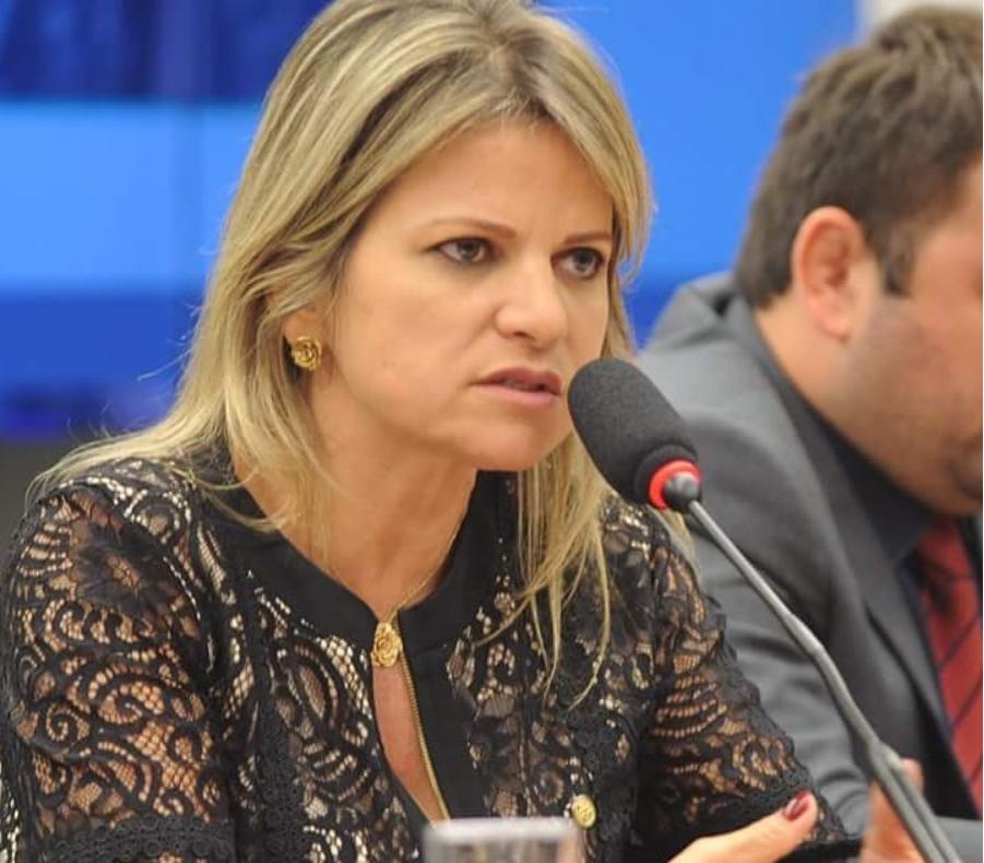 Reeleita deputada federal, Flávia Morais vai manter a defesa pelas mulheres