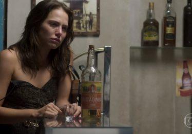 Sociedade de Pediatria reclama de cena com grávida ingerindo álcool em 'Segundo Sol'