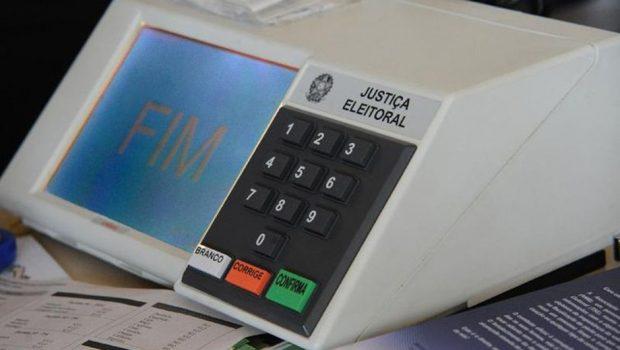 Eleitores de dois municípios vão às urnas neste domingo