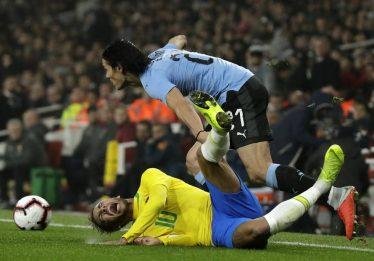 Neymar e Cavani minimizam jogo 'pegado' em vitória do Brasil sobre o Uruguai