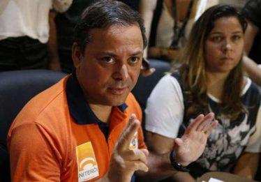 Tragédia era imprevisível e não havia necessidade de obra, diz prefeito de Niterói