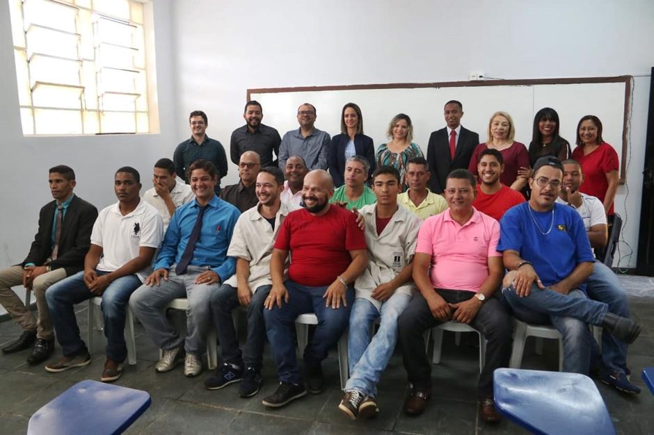 Reeducandos goianos recebem certificado de curso profissionalizante