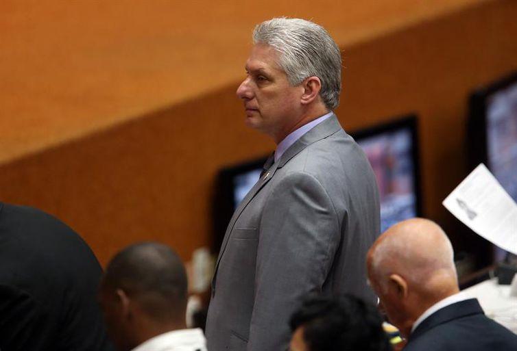 Presidente Díaz-Canel defende trabalho de médicos cubanos no Brasil
