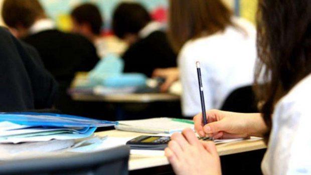 Metade de inscritos com direito à nova prova consultam Enem