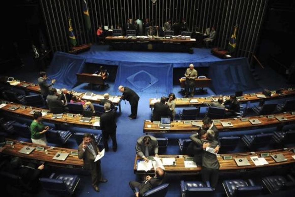 Projeto que flexibiliza Lei da Ficha Limpa é arquivado do Senado