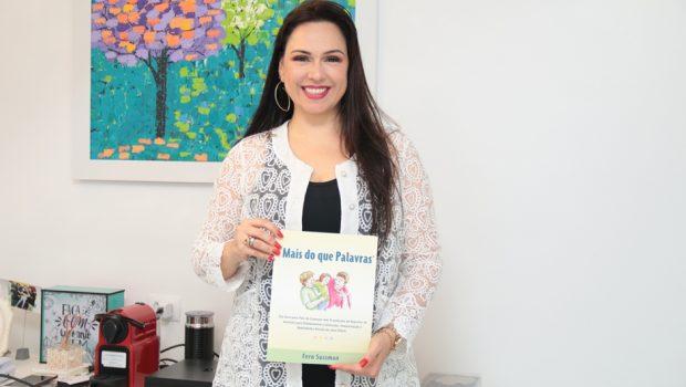 """Versão brasileira do livro """"Mais do que palavras""""será lançado em Goiânia"""