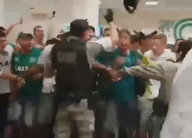 PM que pulou e cantou com torcida do Goiás será homenageado na Assembleia Legislativa
