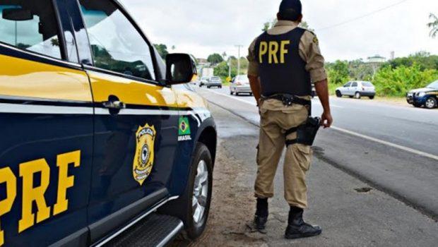 Acusado de sete homicídios é preso com veículo roubado na BR-040 em Luziânia