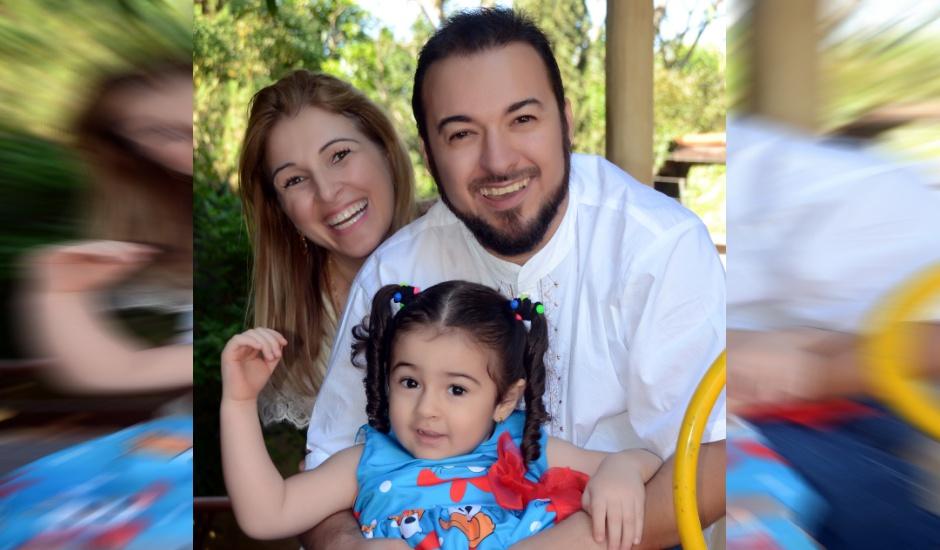 Pais da Valentina, menina autista, criadores do software querem que sistema faça a integração entre profissionais no tratamento (Foto: Divulgação / Arquivo Pessoal)