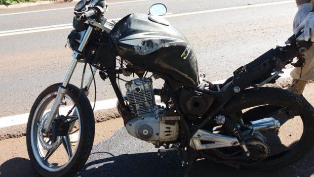 Motociclista morre após ser atingido por carro na BR-364, em São Simão