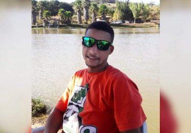 Homem é assassinado a tiros em campo de futebol, em Anápolis