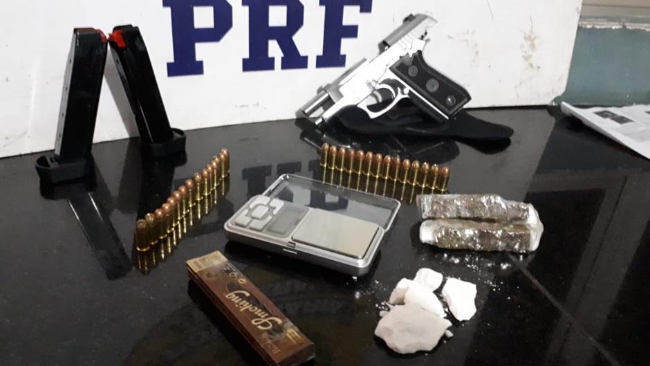 Jovem que saiu de Goiânia para Salvador é preso em Brasília com droga, arma e dinheiro furtado