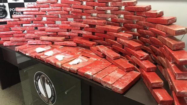 Jovem é presa com cocaína e 100 kg de maconha em Goiânia