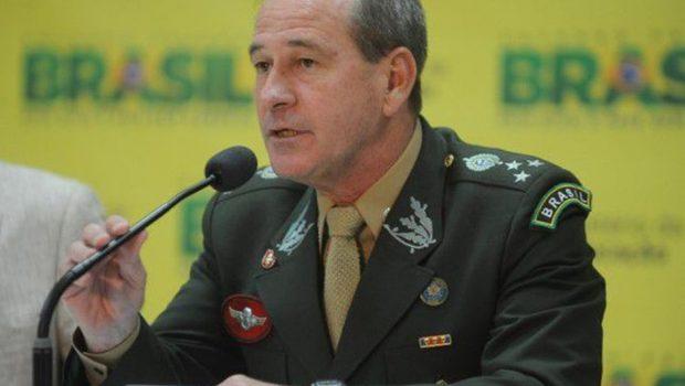 Bolsonaro anuncia o general Fernando Azevedo e Silva para a Defesa