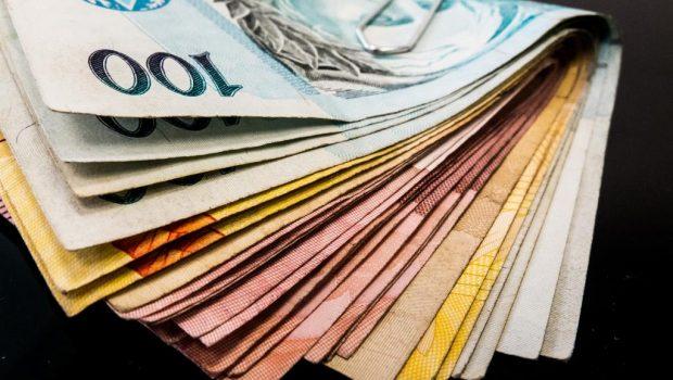Babá condenada por furtar mais de R$ 15 mil para dar dízimo, em Goiás