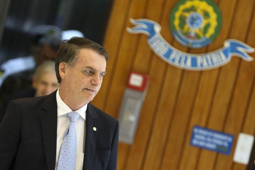 Bolsonaro não repassará recursos de multas ambientais para ONGs