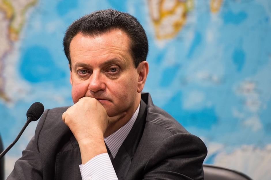 Kassab decide colocar general na presidência dos Correios