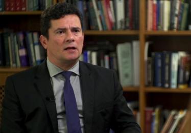 Moro defende investigação sobre conta de ex-assessor de Flávio Bolsonaro