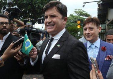 Dr. Rey diz ter convite da Marinha americana e estuda deixar o país: 'O Brasil não me quis'