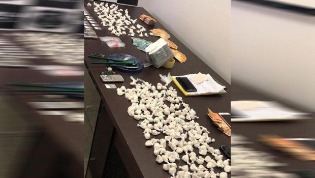 Família é presa por envolvimento com tráfico de drogas, em Goiânia
