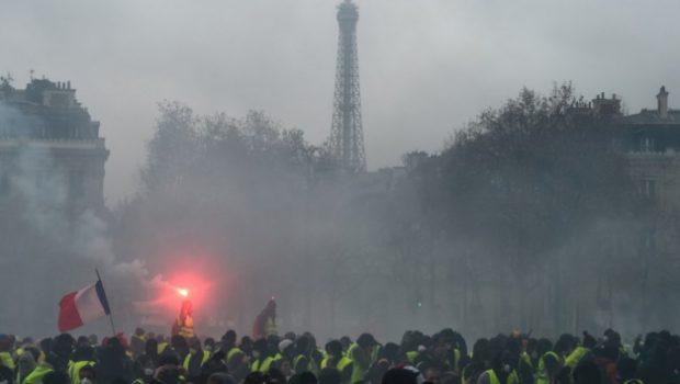 Museu e monumento são vandalizados em Paris em meio a onda de protestos
