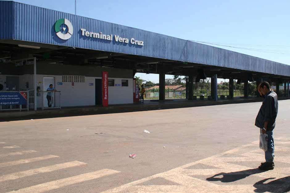 Jovem é pisoteada ao tentar entrar em ônibus no Terminal Vera Cruz