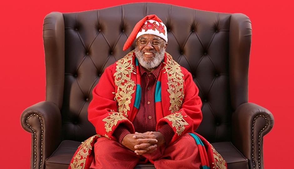 Papai Noel negro tem recepção calorosa em shopping do interior de SP