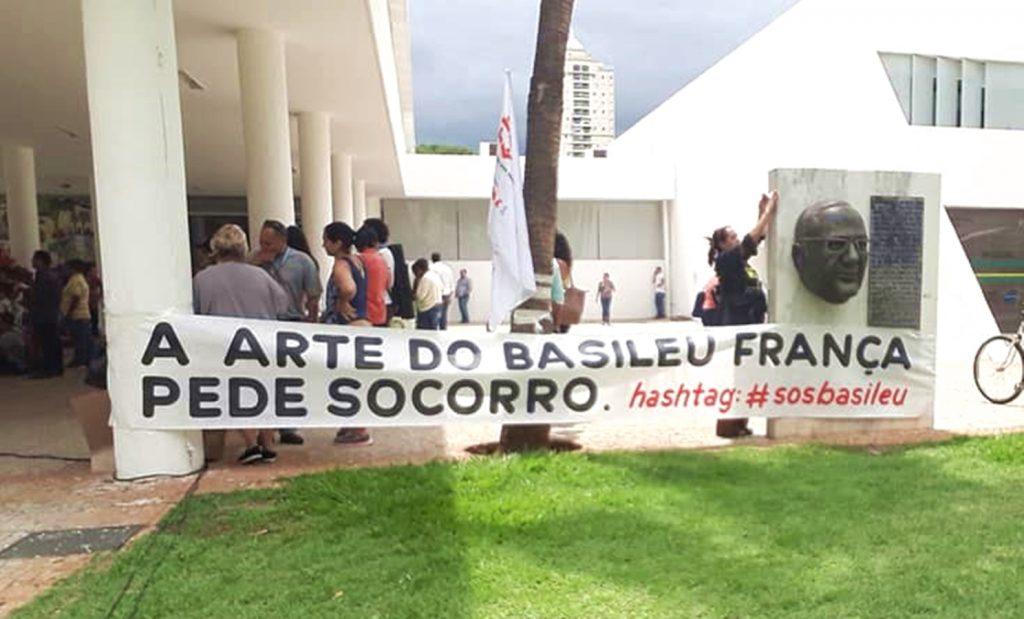 Manifestação na Assembleia Legislativa discute atual situação do Basileu França