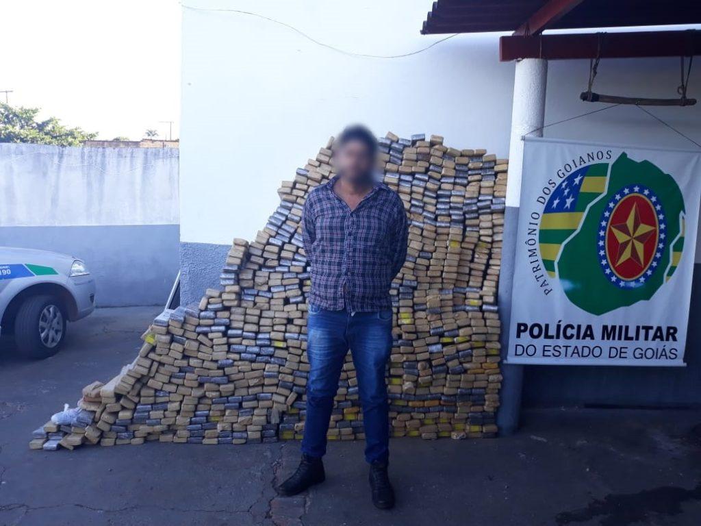 PM apreende uma tonelada de maconha em Paraúna