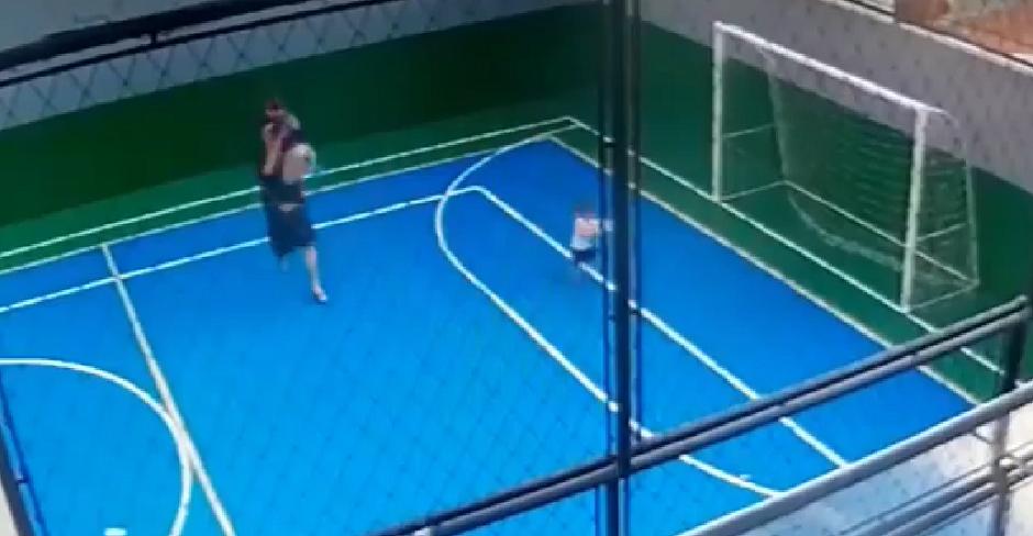 Homem que jogou menino em quadra pode ter agredido outras crianças