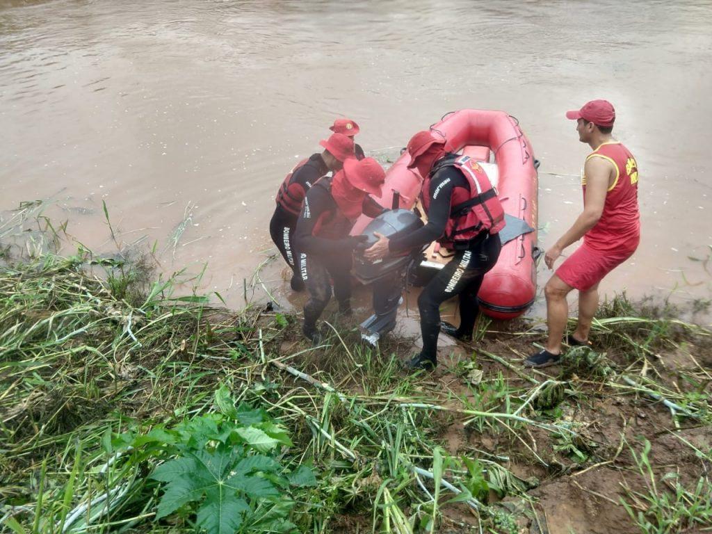 Bombeiros encontram corpo de jovem que se afogou no Rio das Almas, em Barro Alto