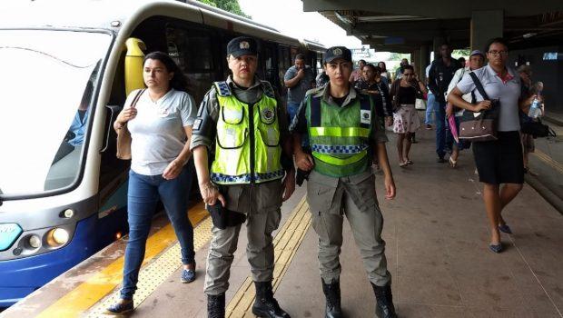PM inicia patrulhamento voltado para mulheres no transporte coletivo
