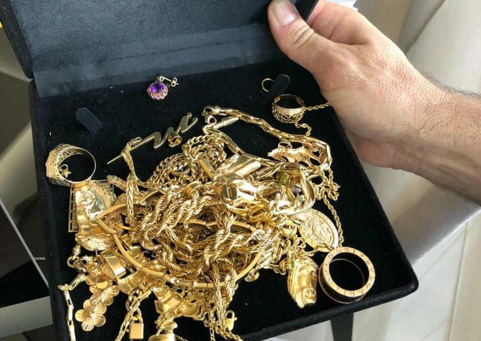 Entre materiais apreendidos, joias e carros de luxo, durante operação da PF que tem, entre os presos, ex-presidente da Agetop Jayme Rincón (Foto: Divulgação / Polícia Federal)