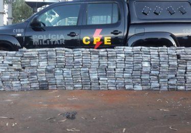 Polícia apreende mais de 400 quilos de cocaína dentro de caminhão, em Jataí