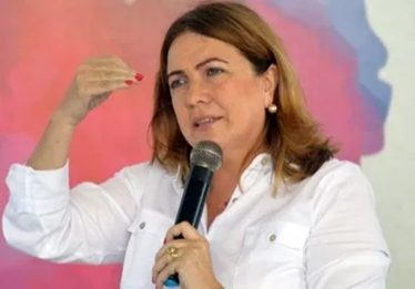 Caiado anuncia nova secretária de Educação