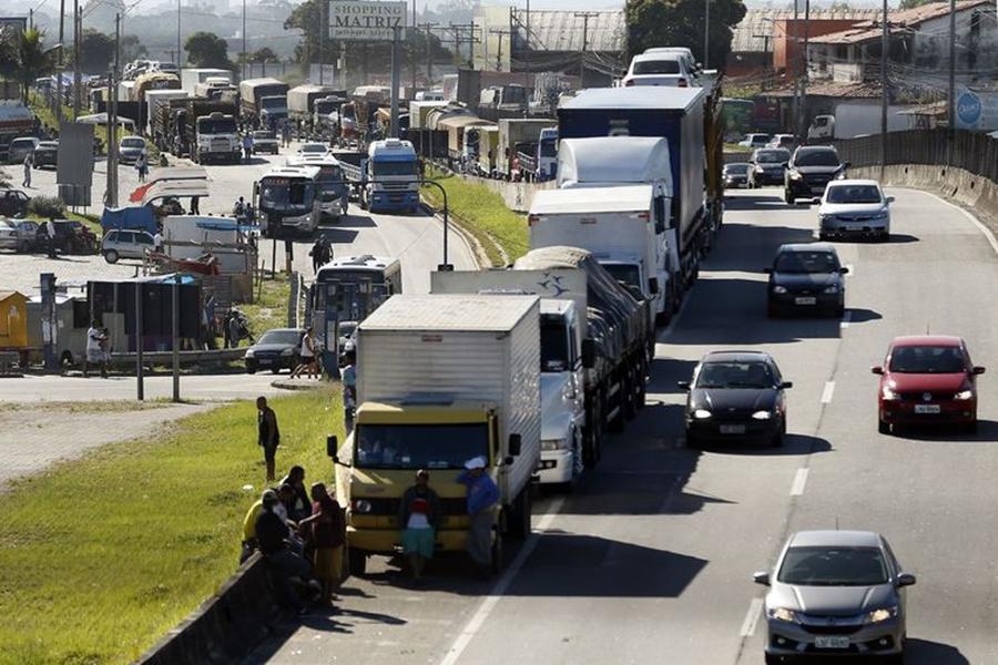 Mudança no preço do diesel 'não resolve 100%' , diz liderança dos caminhoneiros