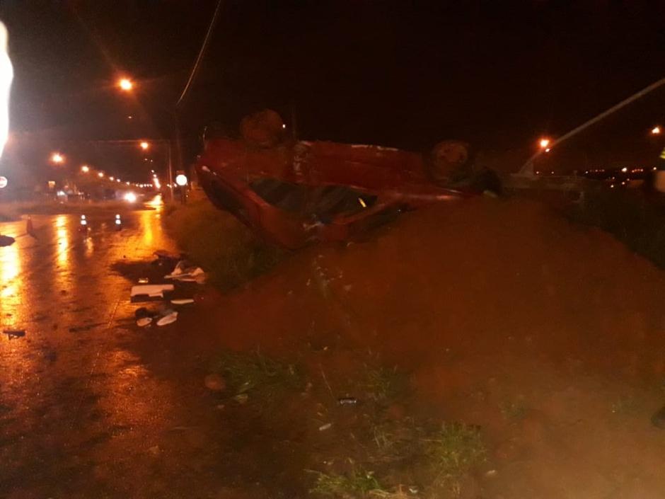 Jovem de 19 anos morre em acidente de carro, em Goiânia; outros seis ficaram feridos