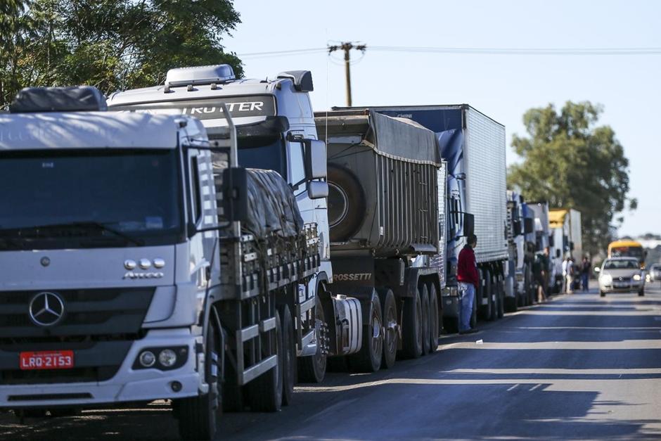 Com classe dividida, líderes de caminhoneiros decidem não aderir à paralisação