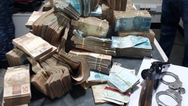 PC encontra mais R$ 1,2 mi em dinheiro em fundo falso em propriedade de João de Deus