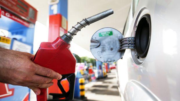 Governo que definir em 180 dias mudanças no setor de combustíveis
