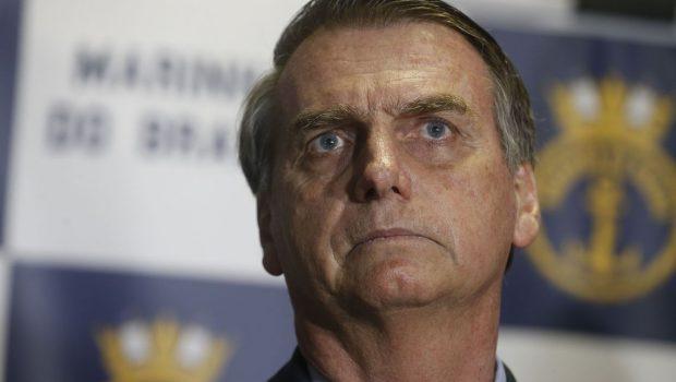 Bolsonaro afirma que saques de ex-assessor são indícios que a Justiça vai analisar