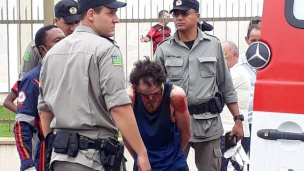Homem entra em igreja e esfaqueia quatro pessoas em Aparecida de Goiânia