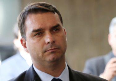 Quebra de sigilo contra Flávio envolve 9 ex-assessores de Jair Bolsonaro