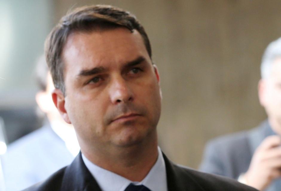 Possível lavagem de Flávio Bolsonaro também será investigada na esfera criminal